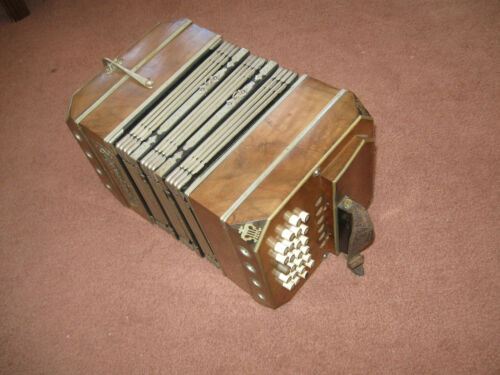 Chemnitzer Concertina Vintage 104 key dated 1929 Very nice in Musical Instruments & Gear, Accordion & Concertina | eBay