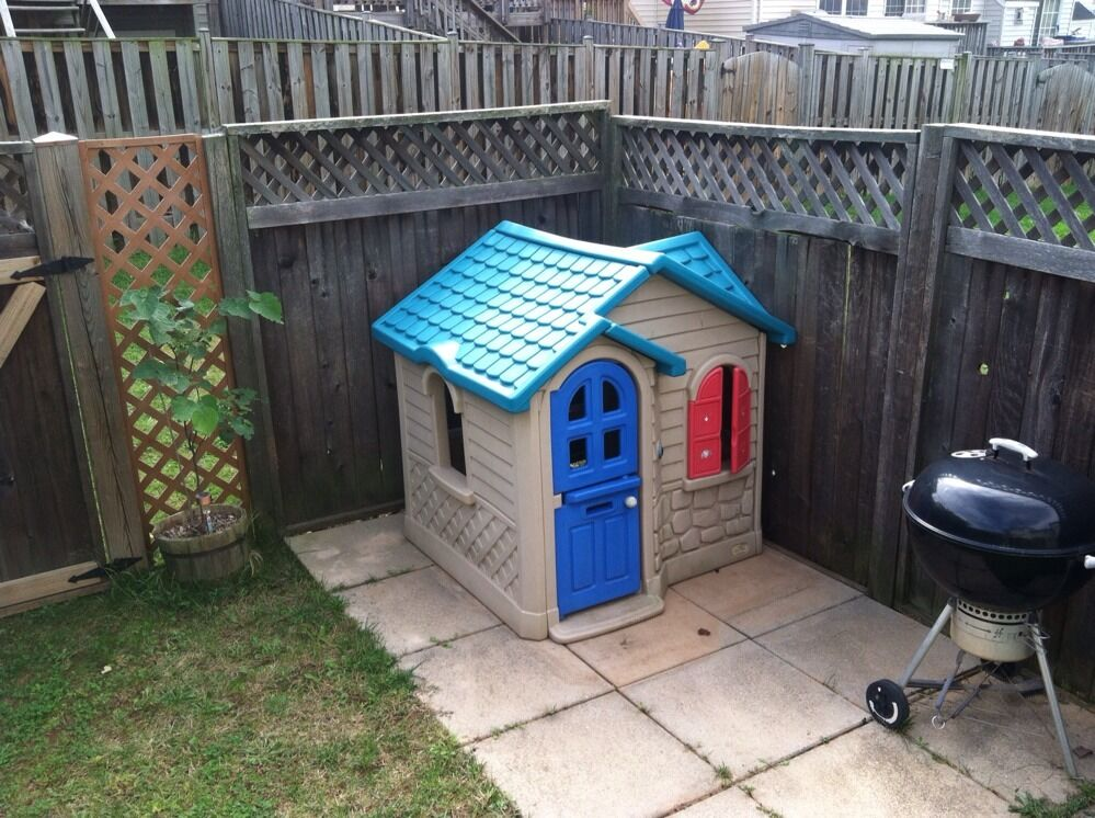 Childrens Outdoor Playhouse Little Tikes Playhouse Cottage Used Pick