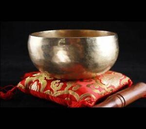 Choe-pa-Klangschale-ca-500-g-Nepal-Handgehaemmerte-Ware-mit-Holzkloeppel