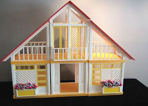 1980 Barbie Dream House on Clean Vintage Barbie Dream House Home 1977 1978 1979 1980 1981   Ebay