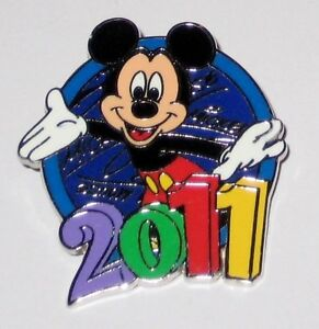 Colorful-MICKEY-MOUSE-2011-Disney-Pin-from-Hip-Lanyard-Set-WDW-NEW-Authentic