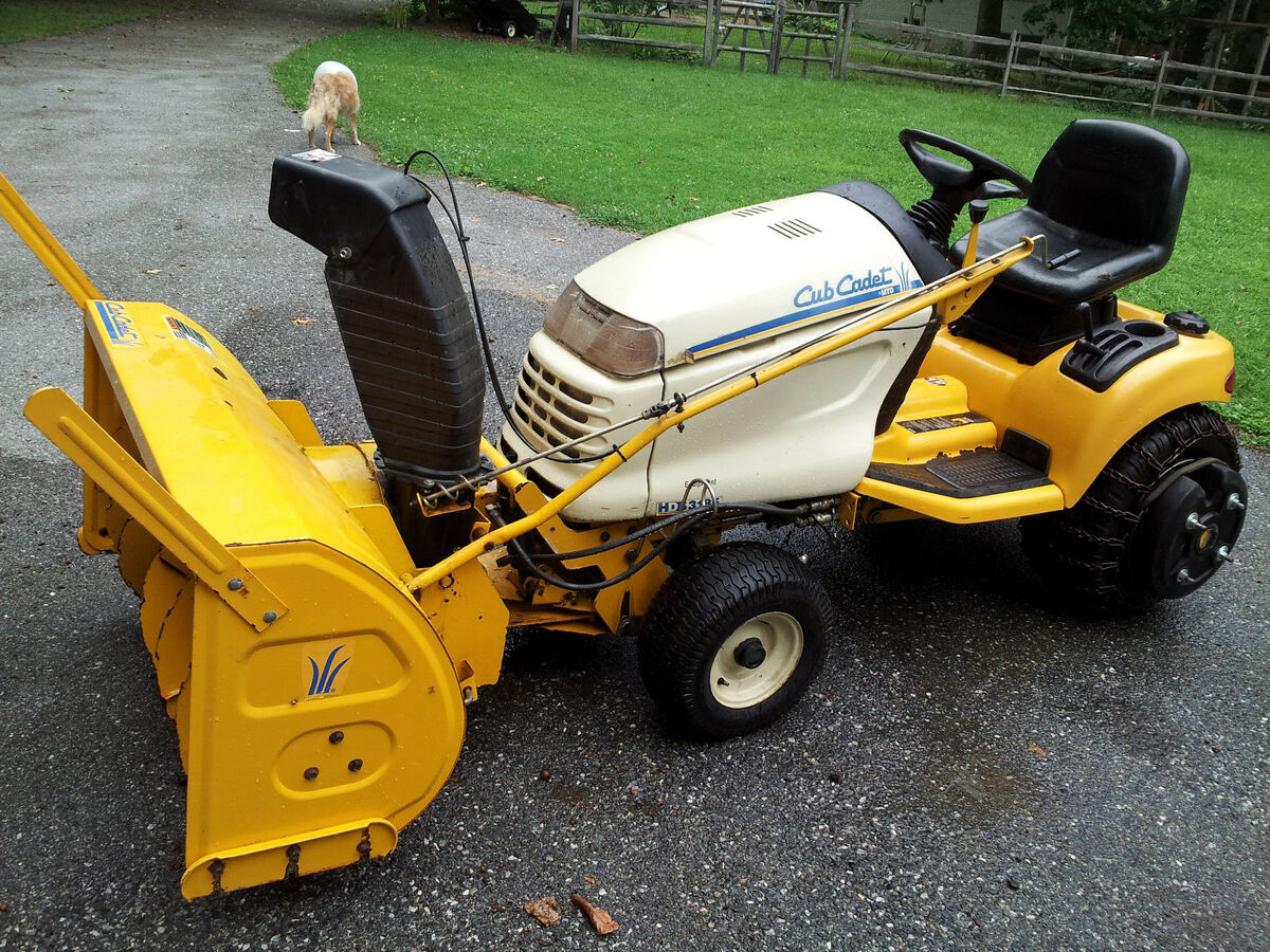 Cub Cadet 3185 Lawn and Garden Tractor w Snowblower Snowthrower Leaf Bagger