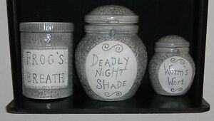 DISNEY NIGHTMARE BEFORE CHRISTMAS PROP REPLICA SALLY'S JAR SET NECA ...