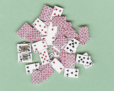 DOLLHOUSE MINIATURES DECK OF PLAYING CARDS GAMES RED BACK Jacqueline's in Dolls & Bears, Dollhouse Miniatures, Miniatures | eBay