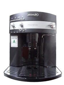 DeLonghi-Magnifica-ESAM-3000-Cappucino-Espresso-Kaffee-Vollautomat-ESAM3000