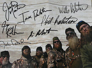 Duck Commander Fall 2012 Catalog Signed by Full Cast of Duck Dynasty