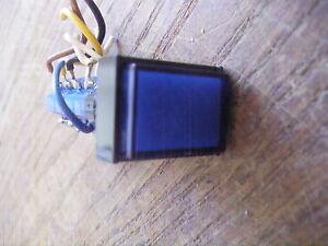 EAO-Swiss-made-31-124-025-Einbau-Drucktaster-Blau-4-Ebenen-Kontrolllampe-24Vol