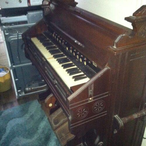 ESTEY Walnut **COTTAGE**Parlor PUMP/Reed Organ. 12 Stops 5 Octaves! ANTIQUE!! in Musical Instruments & Gear, Piano & Organ, Organ | eBay