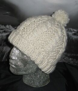 FREE ARAN BOBBLE HAT KNITTING PATTERN - VERY SIMPLE FREE KNITTING
