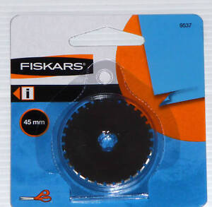 Fiskars 45Mm Rotary Perforating Blade http://www.ebay.com/itm/FISKARS-45MM-ROTARY-cutter-TRIMMER-Perforating-BLADE-/130533402026