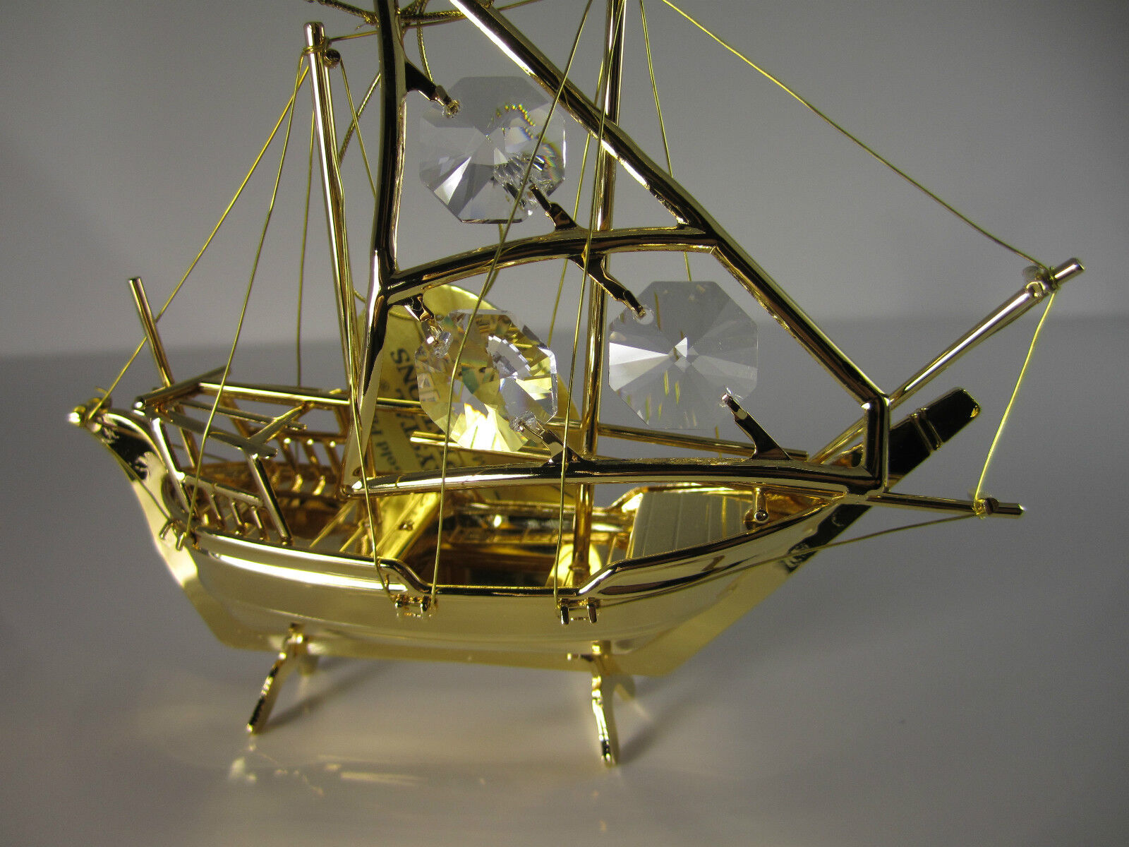 Fischerboot mit Swarowski Kristallen Bestückt Gold