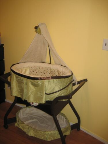 FISHER PRICE SOOTHING MOTIONS GLIDER BASSINET NEW in Baby, Nursery Furniture, Bassinets ...
