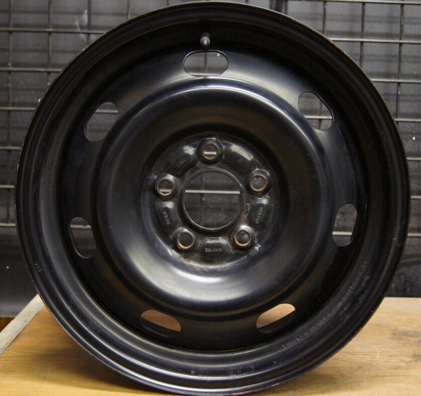 Mercury Grand Marquis 17 Factory Wheel Rim 2006 11 3670 Police