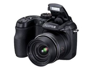 Fujifilm FinePix S1500 10.0 MP Digital C...