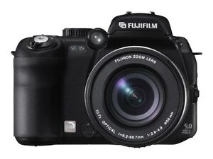 Fujifilm FinePix S9500 Zoom 9.0 MP Digit...