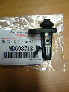 GENUINE-MITSUBISHI-SHOGUN-SPORT-DOOR-PIN-COURTESY-INTERIOR-LIGHT-SWITCH