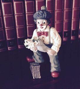 Gilde-Clown-Comedy-Collection-Clown-mit-Koffer-und-Blumen-Hoehe-ca-13-cm-mit-OVP