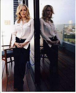 Gillian-Anderson-Autograph-Signed-10x8-Photo-5081