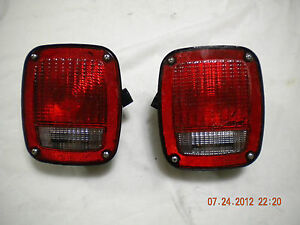 Grote 9130 Tail Light http://www.ebay.com/itm/Grote-5370-5371-Truck-Tail-Lights-9130-Lens-Ford-Dodge-Chevy-Trailer-3-Pair-/320951793090