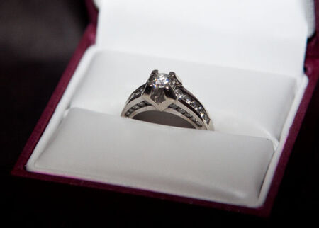 HELZBERG Diamond Engagement Ring VIVIAN 18K White Gold Beethoven Collection$3299 in Jewelry & Watches, Engagement & Wedding, Engagement Rings | eBay