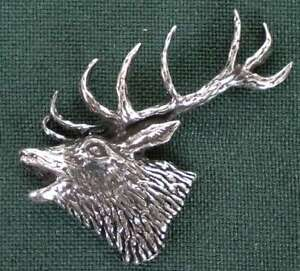 HIRSCH-ANSTECKNADEL-PIN-A53-RED-STAG-HEAD
