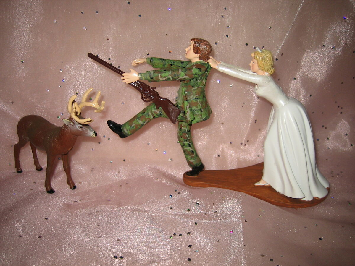 Humorous Redneck Deer Hunter Hunting Wedding Camo Cake