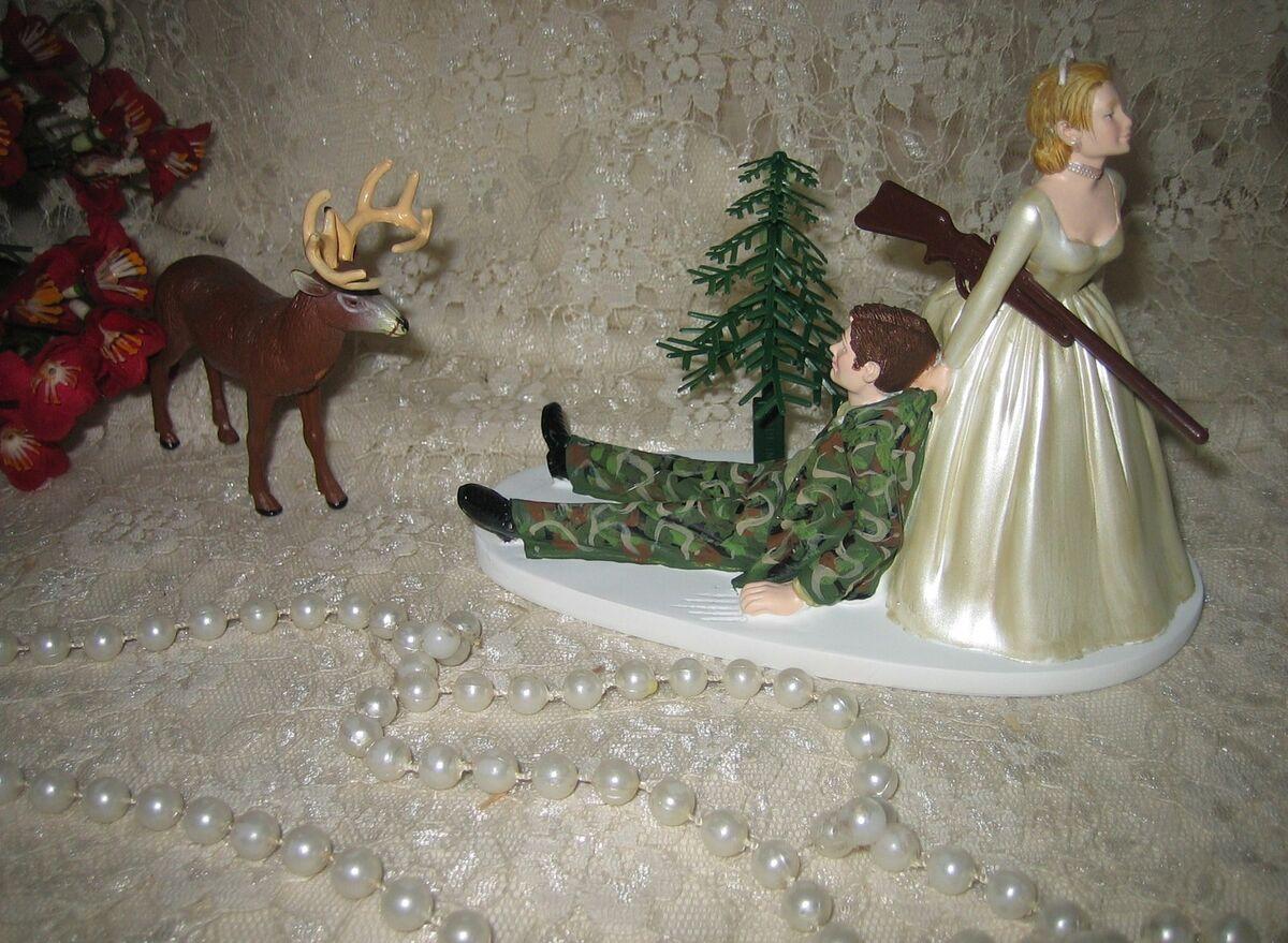 Camo Deer Wedding Cake Ideas and Designs