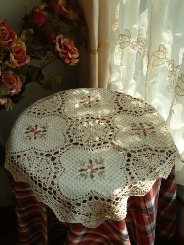 "Hand Crochet+Ribbon Embroidery Centerpiece/Topper~Ecru~24""~French Country~Sweet~ in Collectibles, Linens & Textiles (1930-Now), Table Linens 