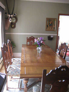 Room store furniture jacobean tudor style refectory table for Room store furniture