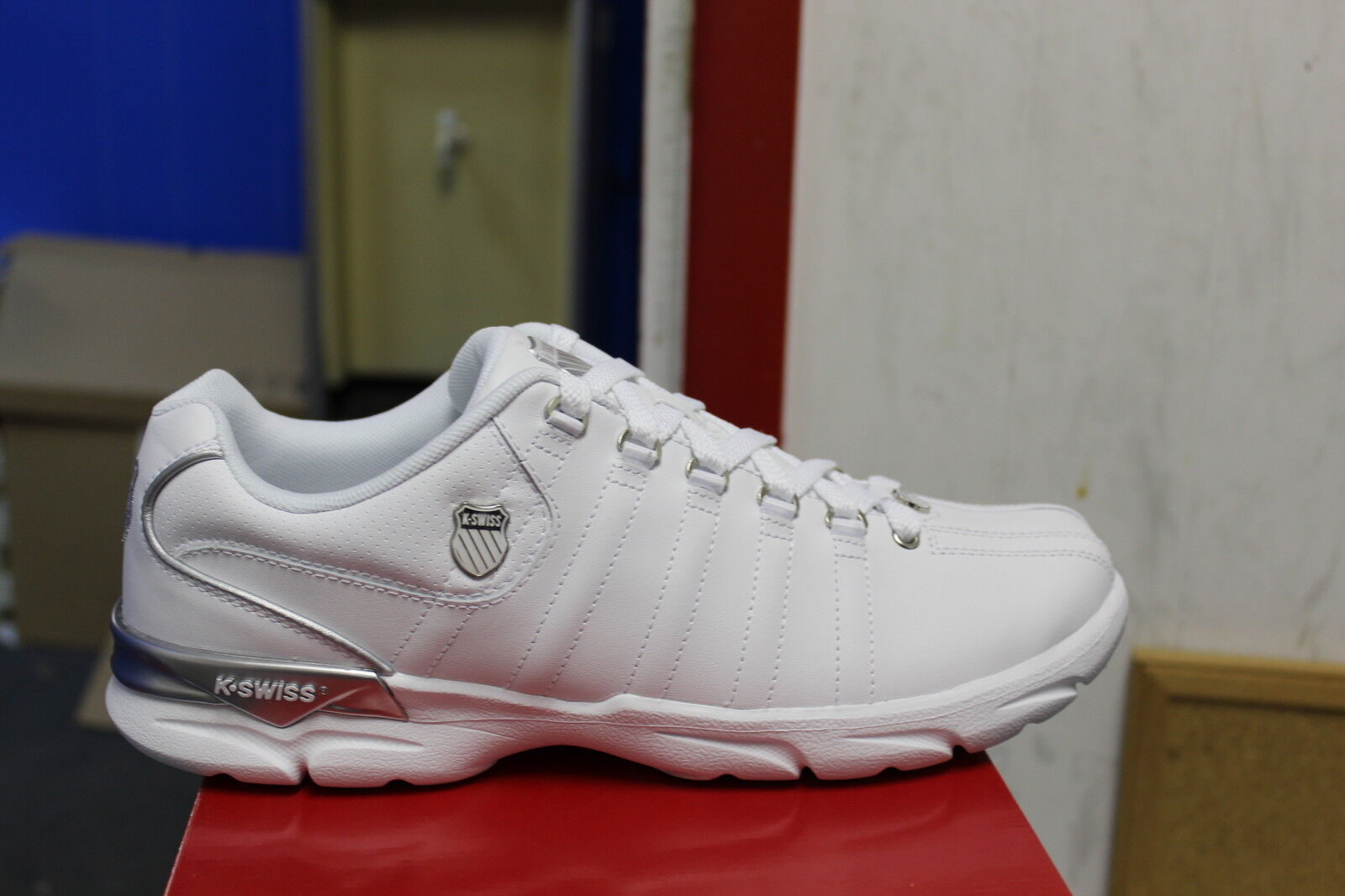K-Swiss Men's Andrus Low Size 10.5 White Silver Brand New In Box Sneakers