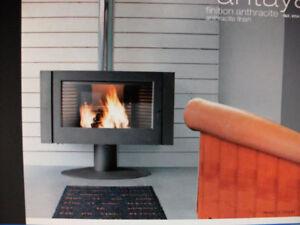 kaminofen antaya mit gro er feuersicht designerofen aus. Black Bedroom Furniture Sets. Home Design Ideas