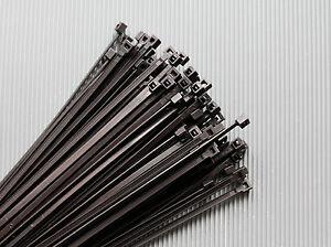 Kabelbinder-Schwarz-in-verschiedenen-Groessen-UV-Bestaendig-100-200-500-1000-St