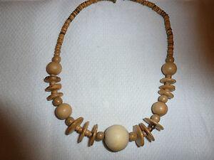 Kette-Holzkette-45-cm-lang-Holzperlen-natur-farben-sehr-ausgefallen-anschauen