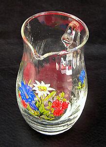 Kleiner-Henkelkrug-o-25-Ltr-Weissglas-wohl-um-1920-mit-Emailmalerei-Bergblumen