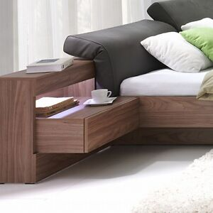 schlafzimmer renato bett mit gepolstertem verstellbarem kopfteil. Black Bedroom Furniture Sets. Home Design Ideas