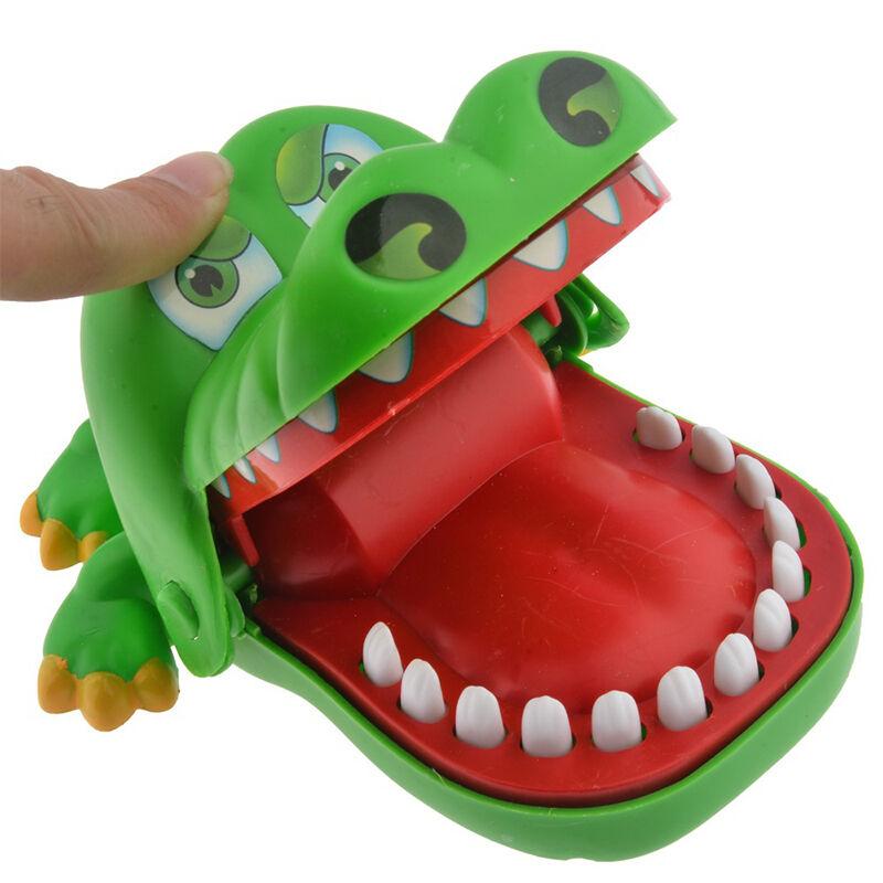 http://i.ebayimg.com/t/Krokodil-Kroko-Zahnarzt-Bissen-FingerSpiel-Spielzeug-Reaktionsspiel-Aktionsspiel-/00/s/ODAwWDgwMA==/z/~SYAAOSwT6pVnhng/$_57.JPG