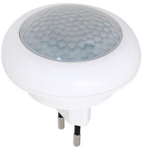 led nachtlicht mit bewegungsmelder f r steckdose lampe notlicht 8led 0 6w la1401 ebay. Black Bedroom Furniture Sets. Home Design Ideas