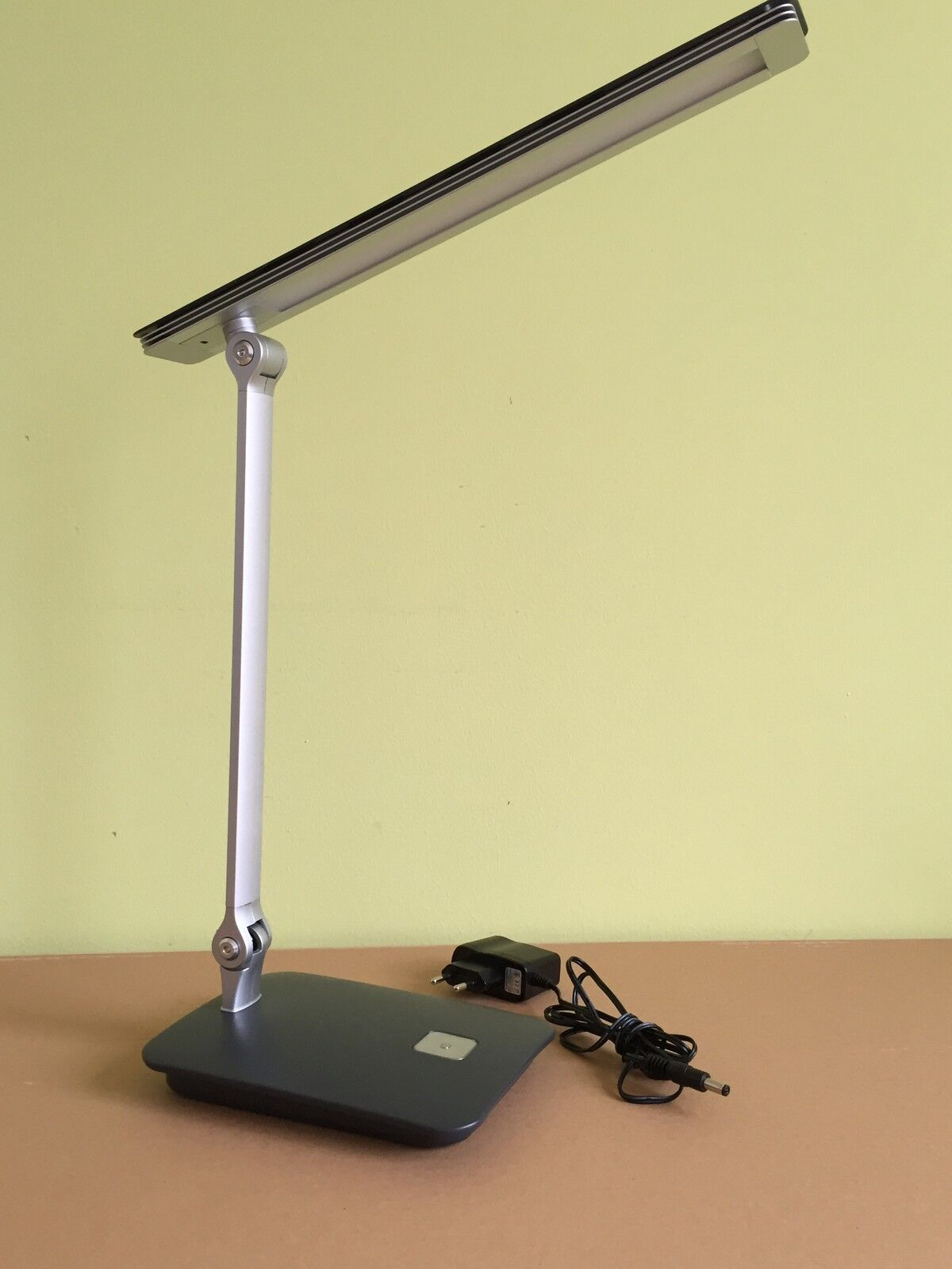 schreibtischleuchte led schreibtischlampe tischleuchte tischlampe dimmbar neu. Black Bedroom Furniture Sets. Home Design Ideas