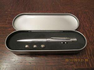 Laserpointer-LED-Lampe-Kugelschreiber-inkl-Aluminium-Transport-Case-3Batterien