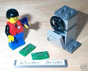 Lego Minifigure Rich Man and His 100 Dollar Bills * New