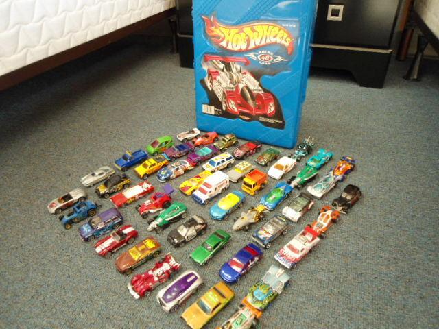 48 HotWheels Cars Trucks Vans w Hot Wheels Carrying Case some Matchbox