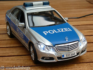 mercedes benz e klasse w212 1 18 polizei mit led beleuchtung xenon ebay. Black Bedroom Furniture Sets. Home Design Ideas