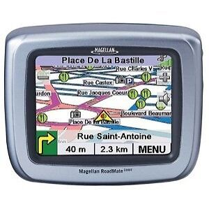 Magellan RoadMate 2250T Automotive GPS R...