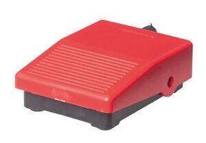 Mini-Fussschalter-schwarz-rot-Pedaltaster-Pedalschalter-3A-1O-1S-NEU-OVP
