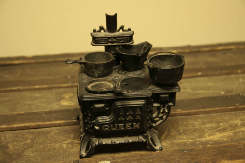 Miniature Vintage Queen Cast Iron Stove w/ Pots & Pans - Cast Iron, Cooking in Antiques, Home & Hearth, Stoves | eBay