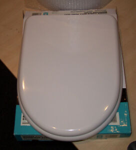 Monte Carlo 39 D 39 Shaped WC Toilet Seat In White By Bathstore EBay