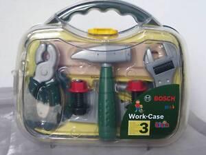 neu klein bosch werkzeugkoffer hammer zange 8465 spielzeug f r kinder ebay. Black Bedroom Furniture Sets. Home Design Ideas