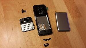 NEU Nokia 6300 / 6300i Gehäuse, Akkudeckel, Tastatur ; Farbe schwarz-silber - <span itemprop=availableAtOrFrom>Köln, Deutschland</span> - Widerrufsbelehrung Widerrufsrecht Sie haben das Recht, binnen 1 Monats ohne Angabe von Gründen diesen Vertrag zu widerrufen. Die Widerrufsfrist beträgt 1 Monat ab dem Tag an dem Sie oder ein - Köln, Deutschland