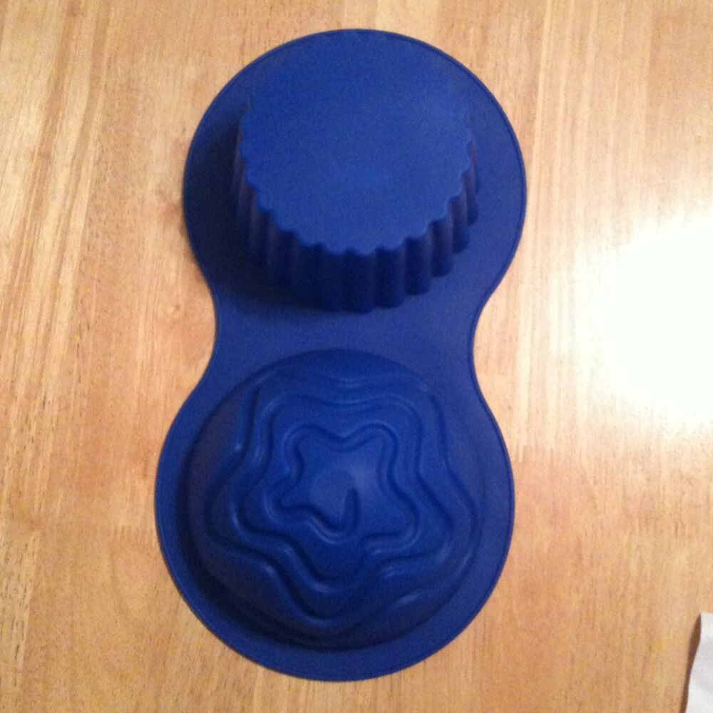 NIP 3D Giant BIG Cupcake Blue Silicone Mold Birthday Cake Pan Star
