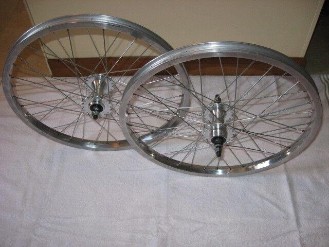 http://i.ebayimg.com/t/NOS-bmx-wheelset-rims-KINLIN-SOVOS-hubs-high-flange-36-h-alloy-silver-20x1-75-/00/s/NDgwWDY0MA==/z/i~sAAOxyhlJRfsUS/$(KGrHqR,!qYFEzKyYZ4UBRfsUSD6HQ~~60_3.JPG